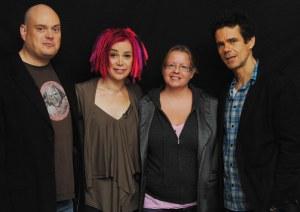 Andy ja Lana Wachowski, Kirpi, Tom Tykwer. ©HFPA
