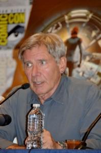 """Harrison Ford nähdään tänä syksynä sci-fi-pätkässä Ender's Game. Hän kouluttaa siinä lapsisotilaita avaruudessa, joiden tehtävä on pelastaa maapallo avaruusolentojen hyökkäykseltä. """"Elokuva herättää myös moraalisen kysymyksen. Onko lapsisotilaiden käyttäminen oikein"""", Ford kyseenalaisti Comic-Conissa."""