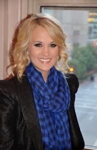 Carrie Underwood on porukan nuorin ja rennoin. Oklahoman kasvatti pongahti tähdeksi American Idol -sarjan neljännellä kaudella. Hän julkaisi ensimmäisen singlensä, Inside Your Heaven, kesällä 2005. Häneltä on ilmestynyt sen jälkeen neljä levyä, viimeisin Blown Away viime vuonna. Nyt hän harjoittelee Sound of Music -musikaalin Maria von Trapp -roolia varten. Yhdysvalloissa musikaali nähdään NBC-kanavalla joulukuun 5. päivä. ©KU