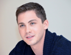 Logan Lerman on Nooan poika Ham.