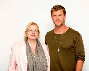 Tämän hetken komeimmaksi mieheksi rankatun Chris Hemsworthin näkeminen veti minut vakavaksi. Siihen ei olisi ollut syytä, sillä Chris on hauska ja rento. Kuva: HFPA