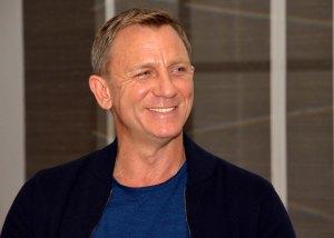 Harvinaista herkkua! Daniel Craig niin kuin ei James Bondkaan hymyile usein, ainakaan julkisudessa. Uusi Bond-elokuva, Spectre, on humoristisempi kuin edellinen, Skyfall.